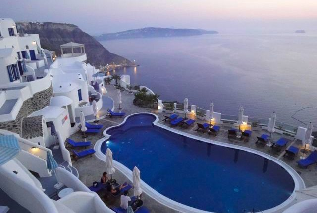 10 Awesome Pictures Of Santorini, Greece 3
