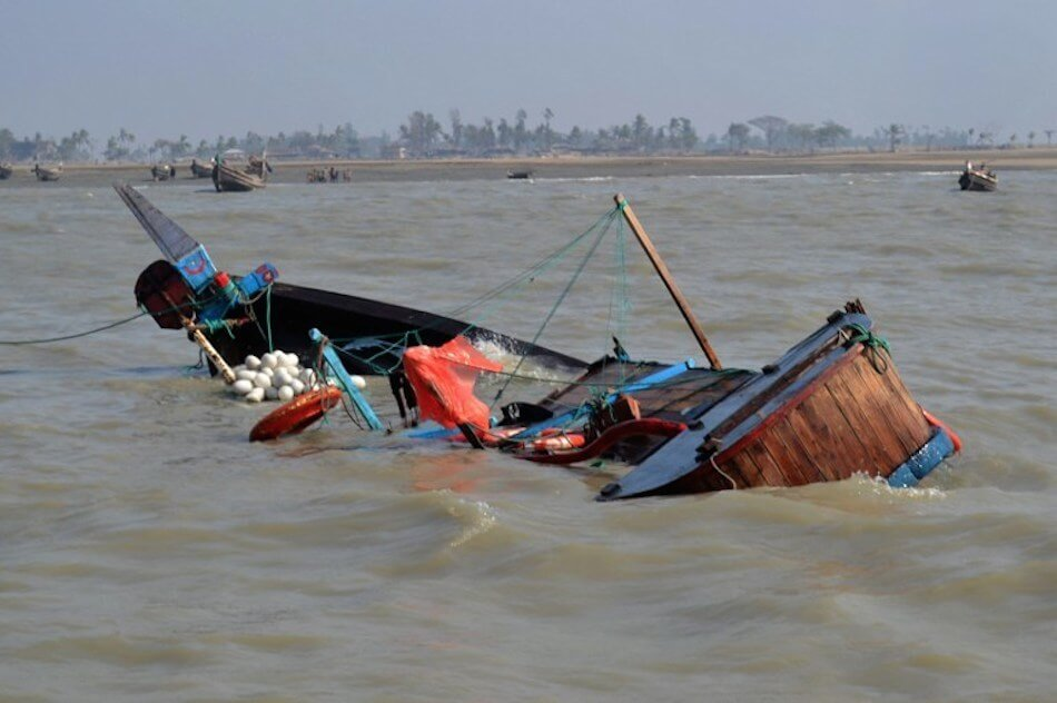 Boat-Capsizes-in-Lagos