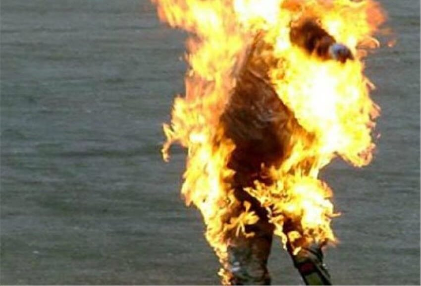Narmada-Sahu-setonfire
