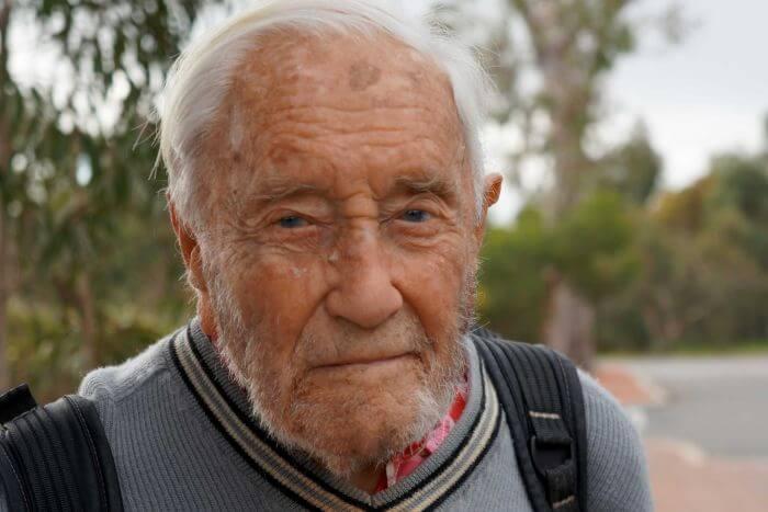 Australia's oldest scientist en route to Switzerland to end life
