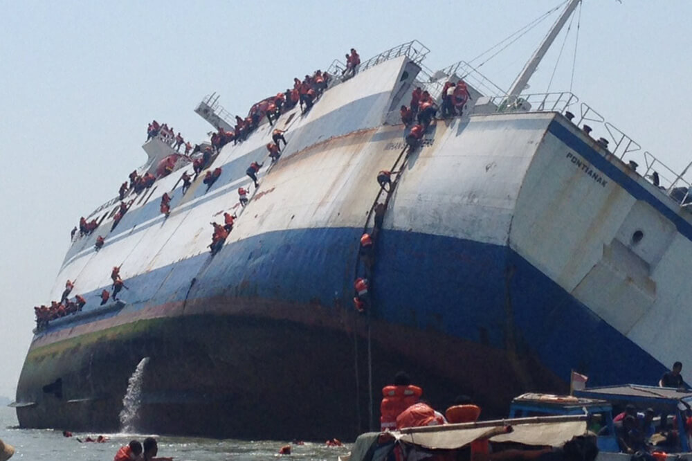 13-Dead-As-Boat-Capsizes-Off-Indonesia's-Sulawesi