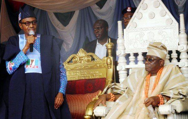 Buhari-at-Oba-of-Lagos-Palace (1)